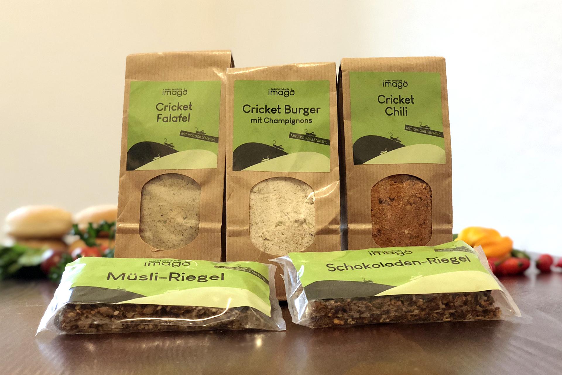 Produkte von Imago Insect Products: Insekten-Falafel, Insekten-Burger, Chili und Schokoriegel