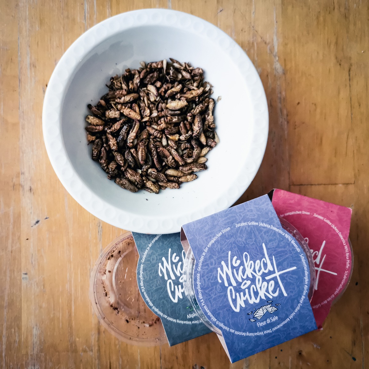 Insektenfood-Startup Wicked Cricked bietet geröstete und gewürzte Grillen als Snack